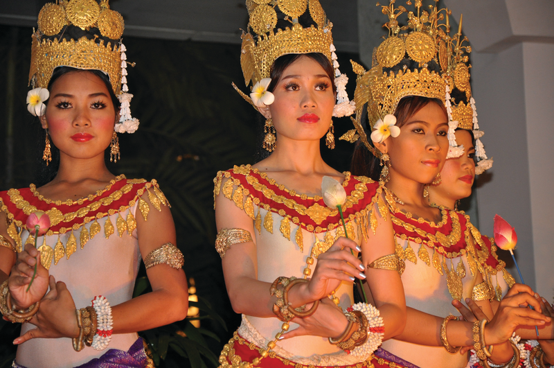 APT Guided Tours & River Cruises RV Apsara Apsara Entertainment 2.png