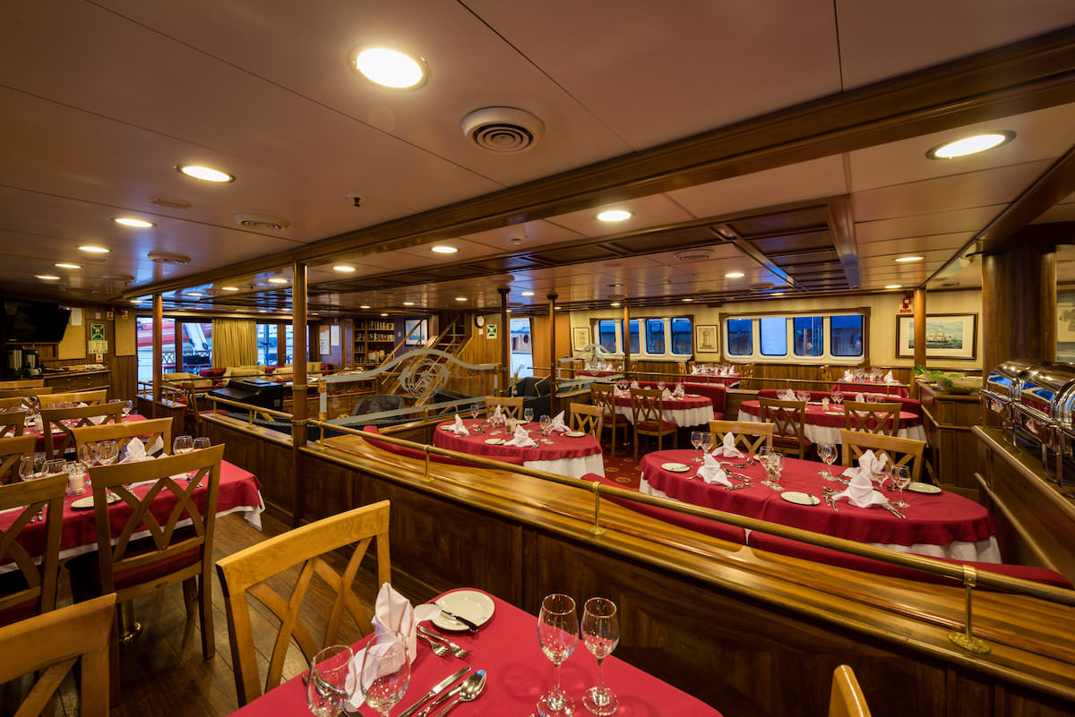 Variety Cruises Panorama Dining Room.jpg