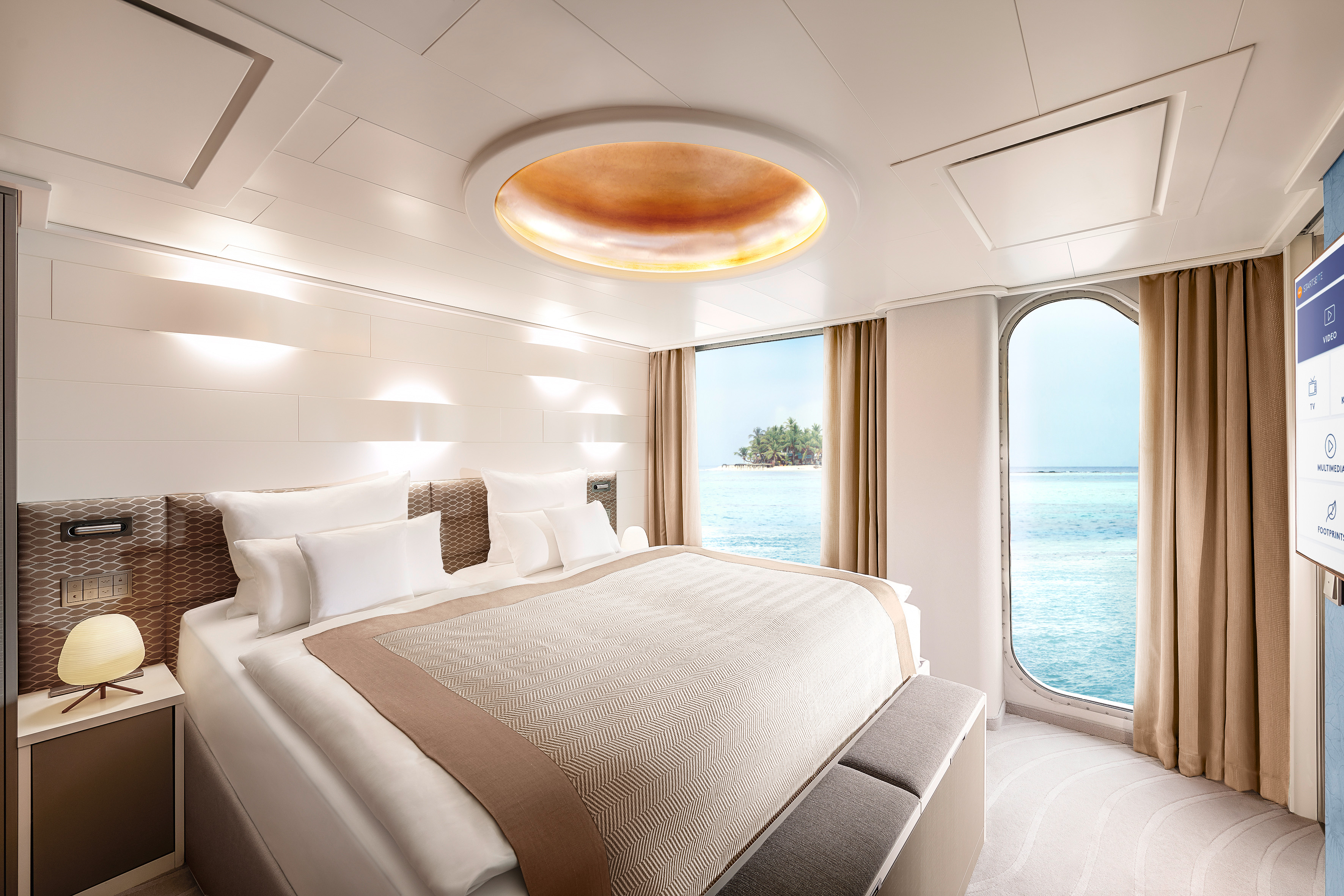 Hapag Lloyd Hanseatic Nature Grand Suite 2.jpg